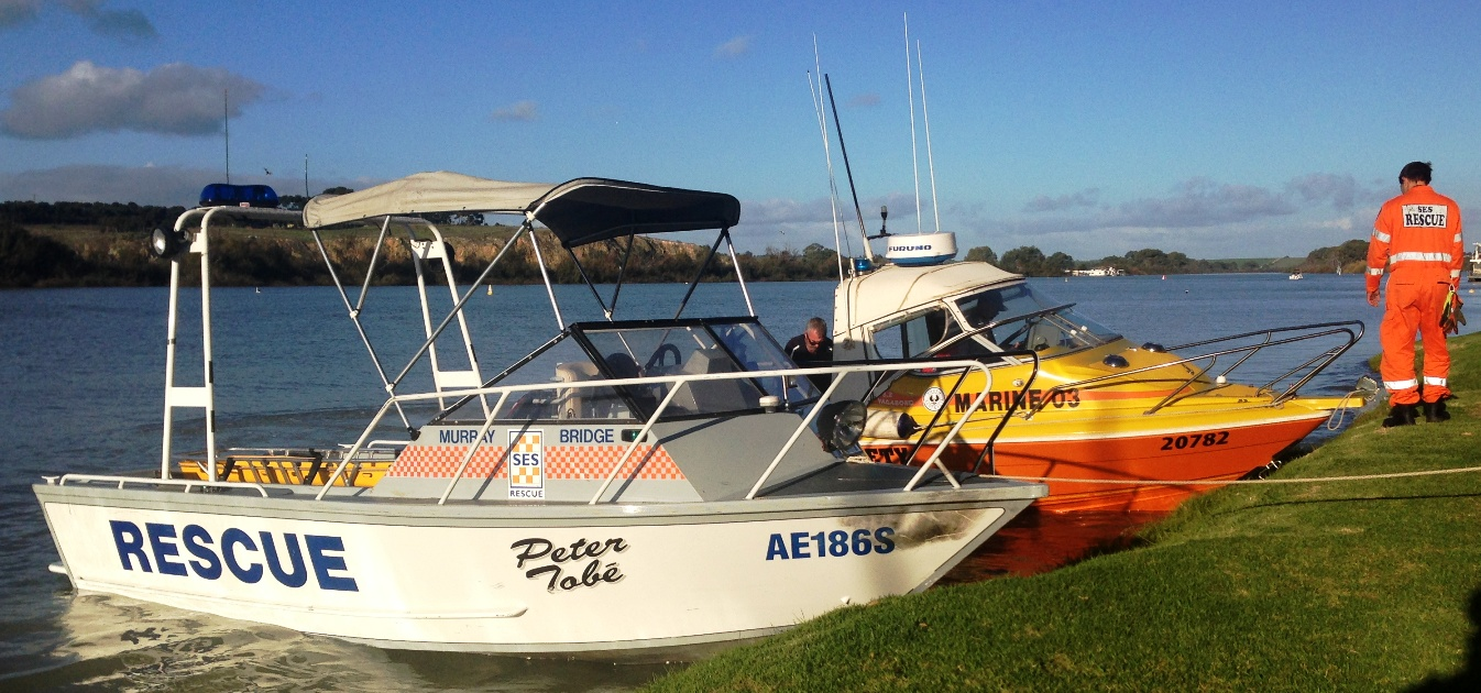 SES Rescue Boat Murray Bridge